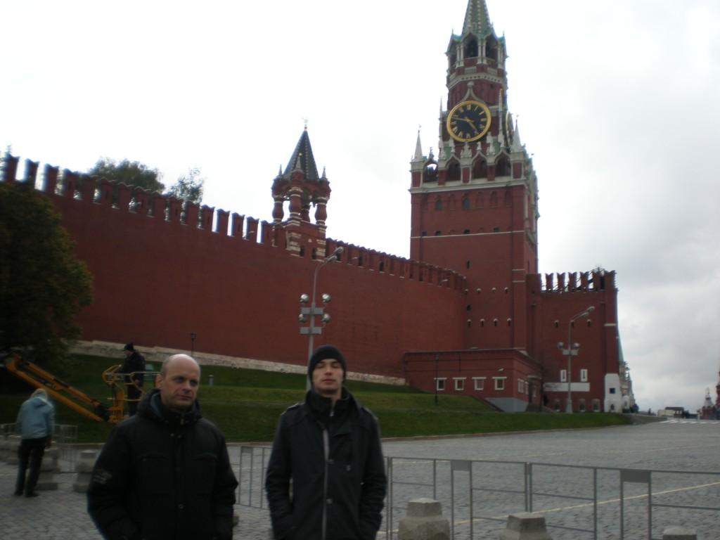 Известные архитекторы у Спасской башни московского Кремля