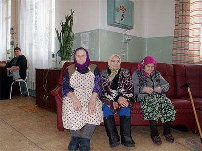 Картинки по запросу пенсионеры в доме престарелых