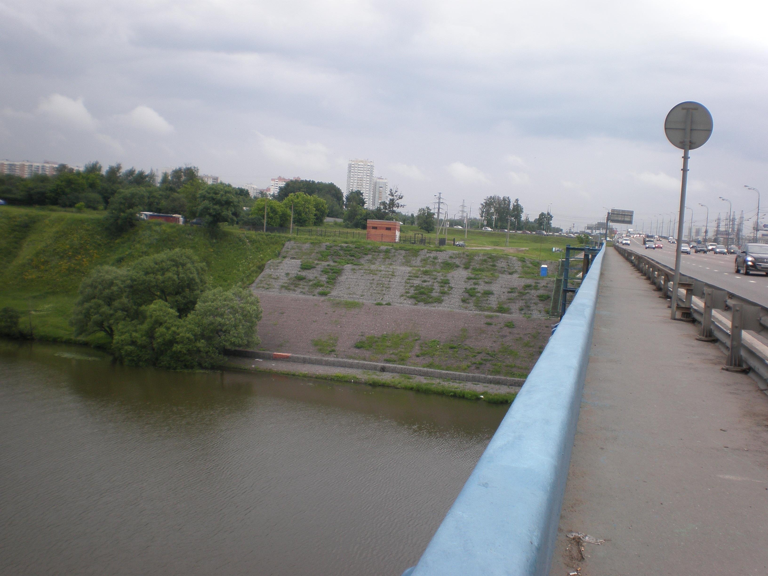Уже почти  весь мост пройден.